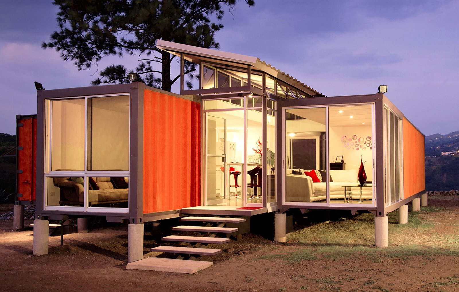 benjamin-garcia-saxe-containers-of-hope-exterior5-via-smallhousebliss