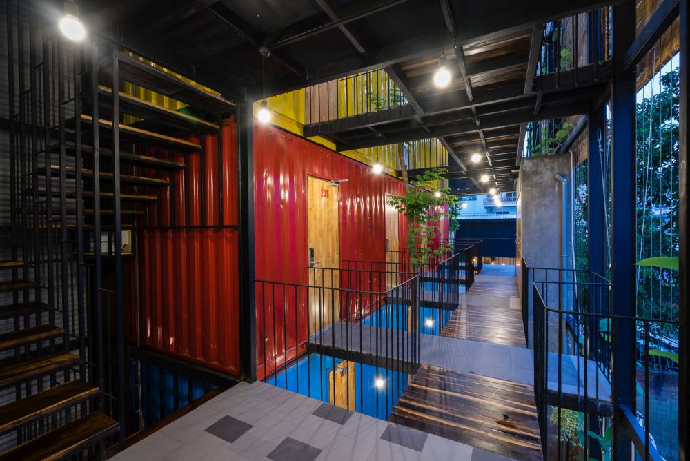 Shipping-Container-Room-Ccasa-Hostel-Vietnam-by-TAK-architects